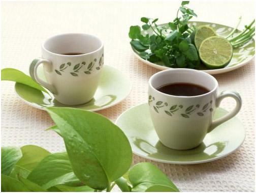 Чай с лимоном и травами